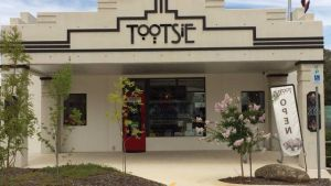 Tootsie Fine Art and Design - Accommodation Mooloolaba