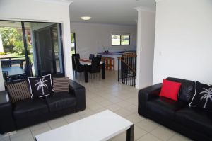 Breakaway 11 Scott Street - Accommodation Mooloolaba